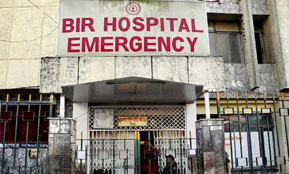 वीर अस्पतालमा 'लिफ्ट चुडिँदा' २ जना ठहरै, एक गम्भीर घाइते