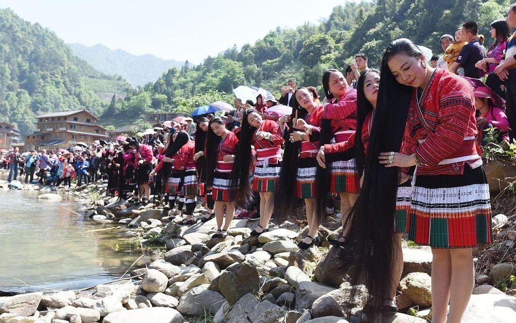 जहाँ महिलाको कपाल हेर्नकै लागि लाखौं पर्यटक पुग्छन् !