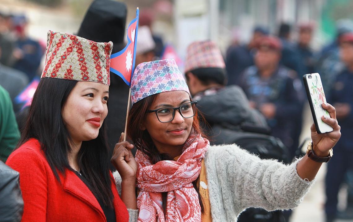 आज विश्वभर अन्तर्राष्ट्रिय नेपाली टोपी दिवस मनाइँदै